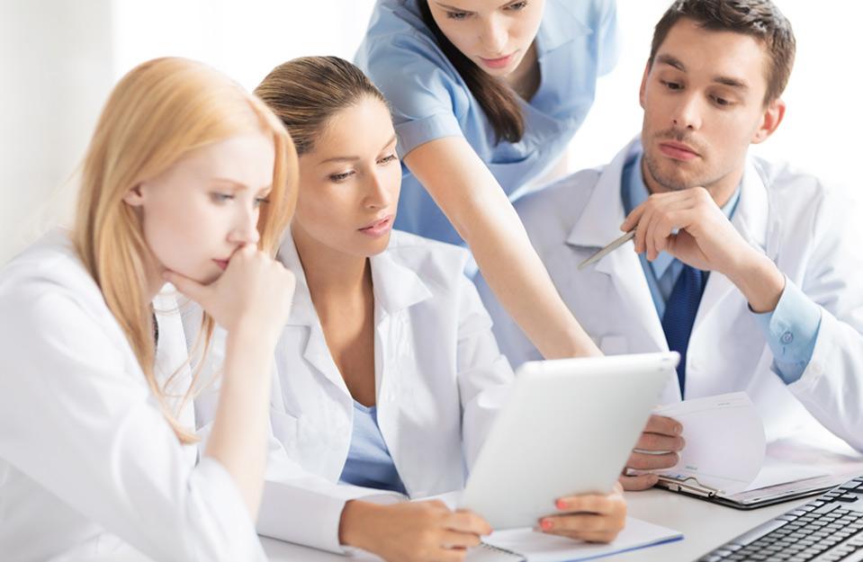 Axosteo est une équipe d'ostéopathe professionnels diplômés pour les entreprises et les sportifs